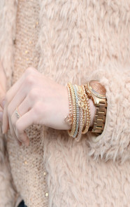 Fluffy-Must-Beige-By-The-Musthaves