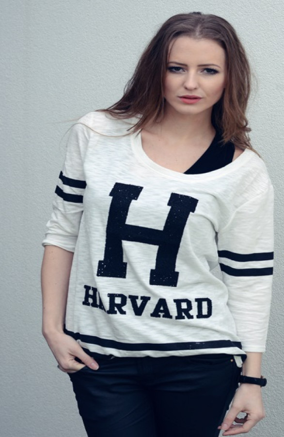 Harvard-Jersey-Girl-The-Musthaves