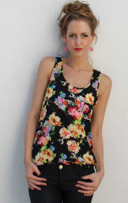 Flower-Top-Black-The-Musthaves