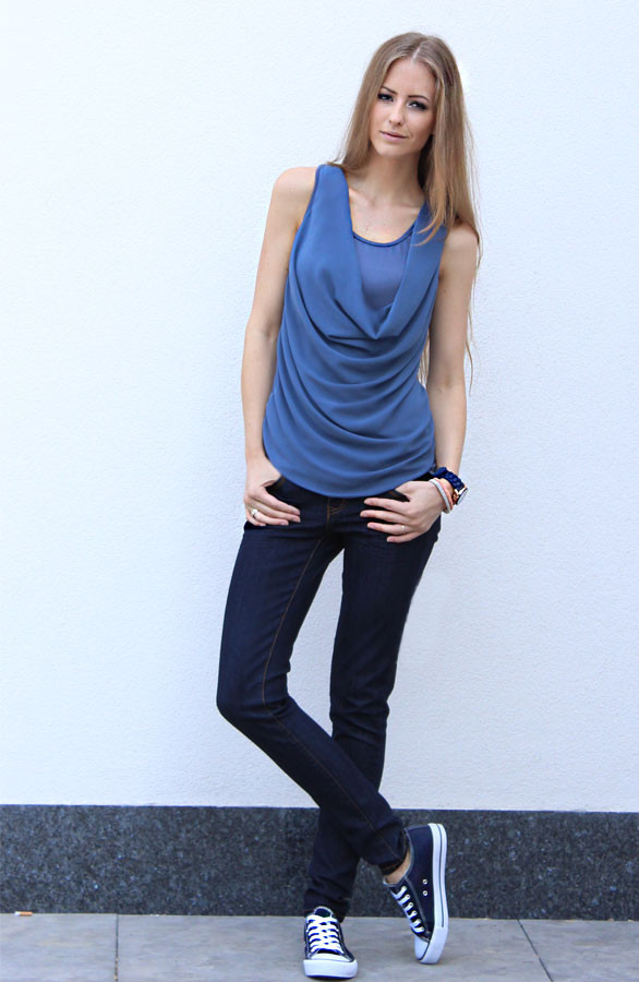 Halter-Blue-themusthaves
