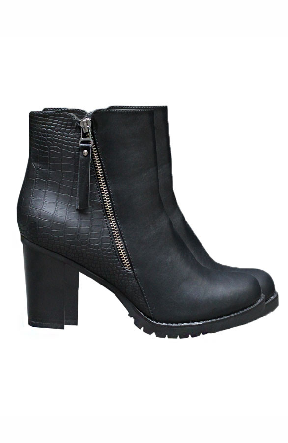 Ultimate-Black-Boots