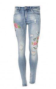 Roses-Patches-Denim-Jeans