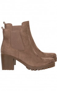 Suede-Chelsea-Boots-Taupe