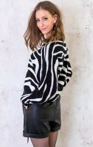 Oversized-Soft-Trui-Zebra-6