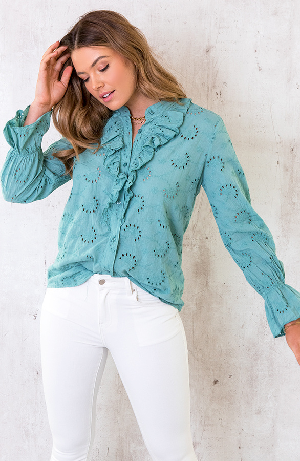 Embroidery-Blouse-Oase-4