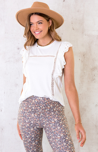 Ruches Top Embroidery Wit