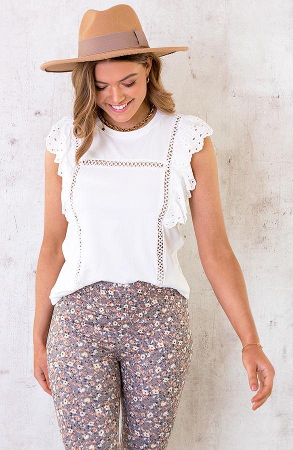 Ruches-Top-Embroidery-Wit-4