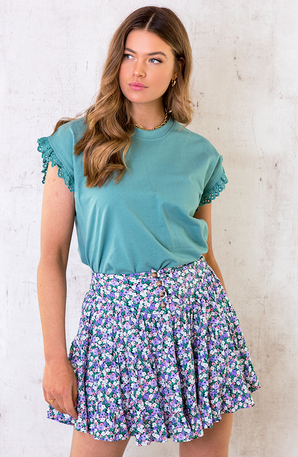 Top-Met-Embroidery-Oase-1
