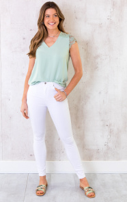 V-hals-Top-Met-Kant-Mint-2