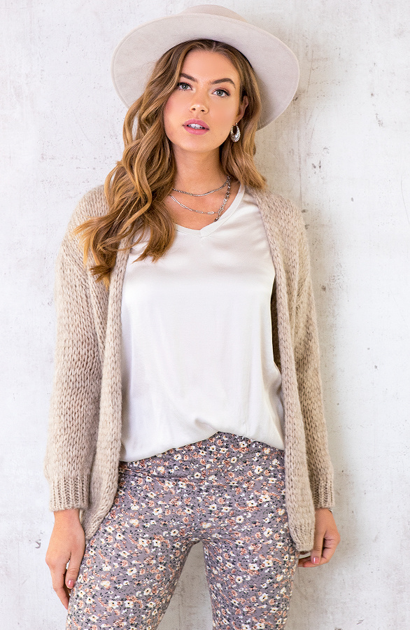 Oversized-Knitted-Vest-Taupe-3