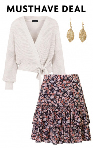 Musthave-Deal-Knitted-Flower