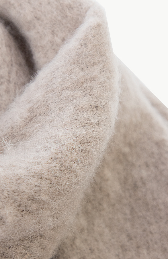 Essential-Sjaal-Taupe-2-1